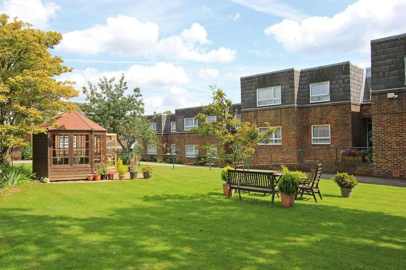 1 Bedroom Flat for sale in Hanover Place, New Ash Green, Longfield, DA3