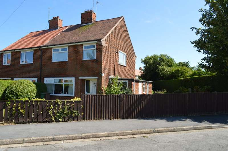 3 Bedrooms Semi Detached House for sale in 26 Beresford Avenue, Hornsea, East Riding of Yorkshire