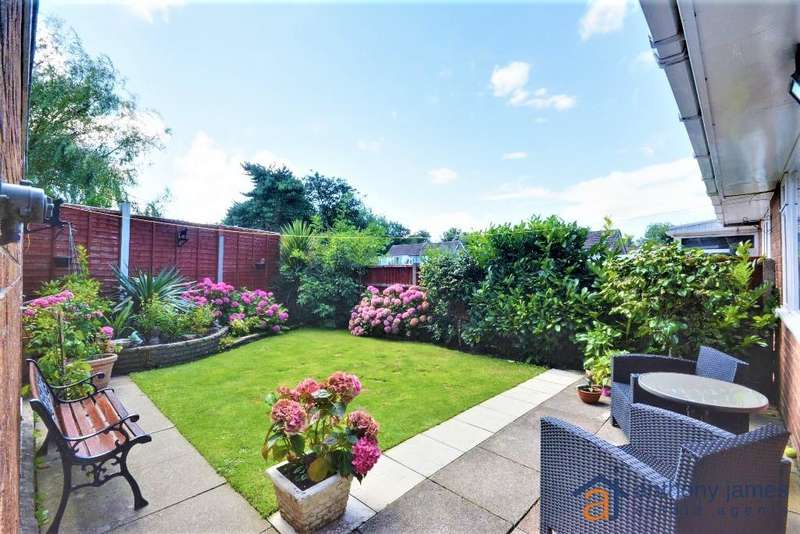 3 Bedrooms House for sale in Harrogate Way, Crossens, Southport, PR9 8JN