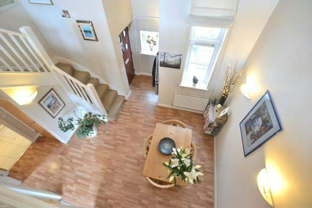 2 Bedrooms Apartment Flat for sale in The Courtyard, Dukes Terrace, Liverpool