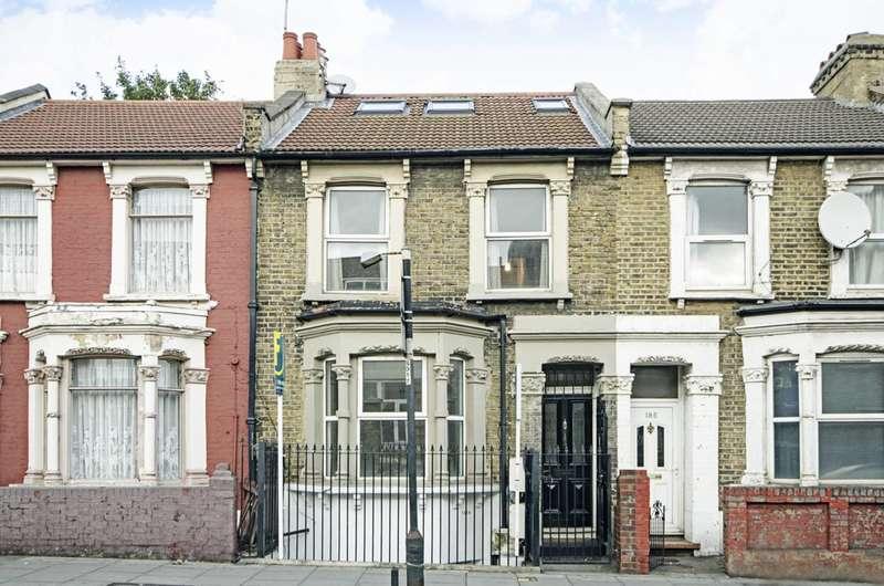 3 Bedrooms Flat for sale in Homerton High Street, Hackney, E9