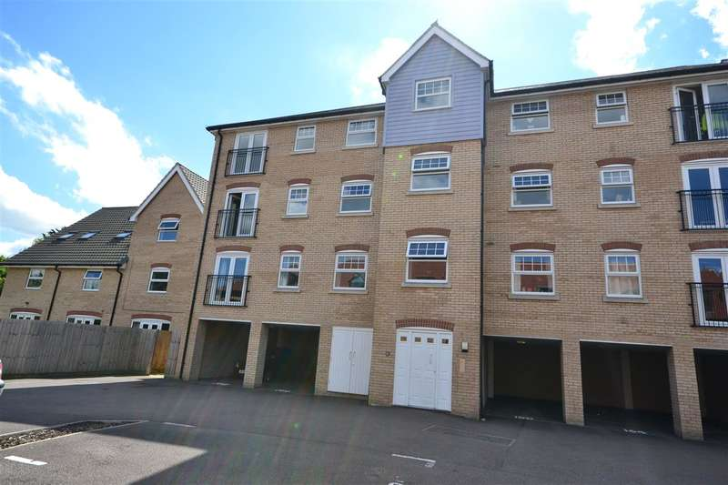 2 Bedrooms Apartment Flat for sale in Dobede Way, Soham