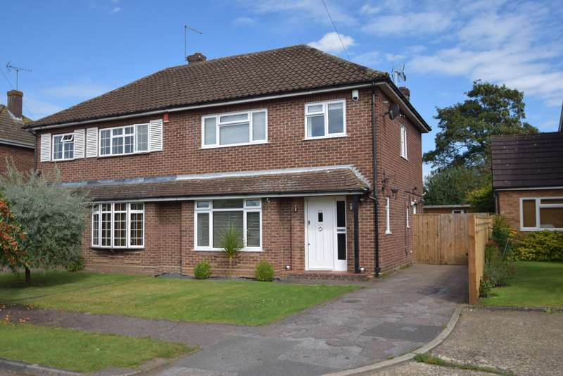 3 Bedrooms Semi Detached House for sale in Pipers Close, Burnham, SL1