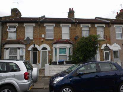 2 Bedrooms Terraced House for sale in Bulwer Road, London