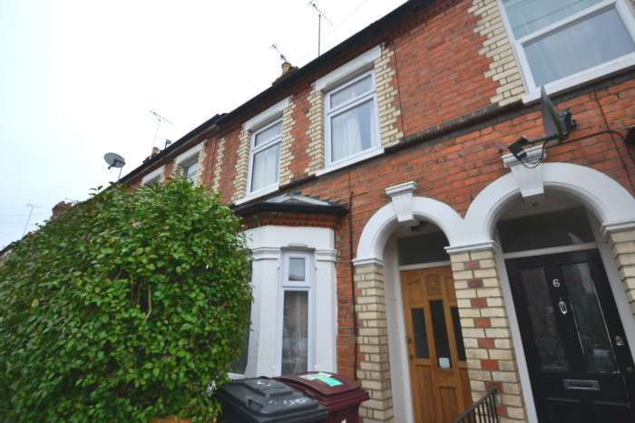 4 Bedrooms Terraced House for rent in Bishops Road, Reading