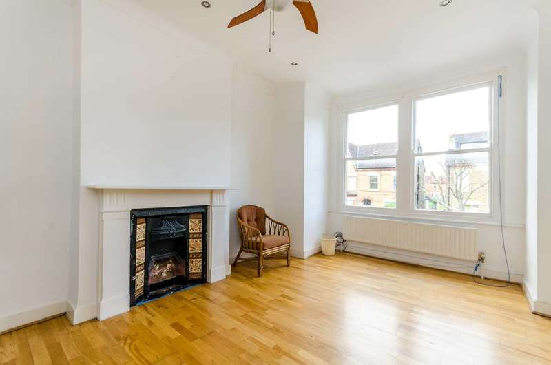 3 Bedrooms Maisonette Flat for sale in Samos Road, Anerley, SE20