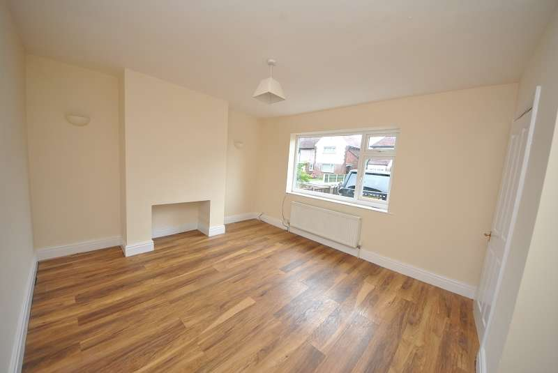 2 Bedrooms Semi Detached House for sale in 81 Central Avenue, Southport, Merseyside. PR8 3EQ