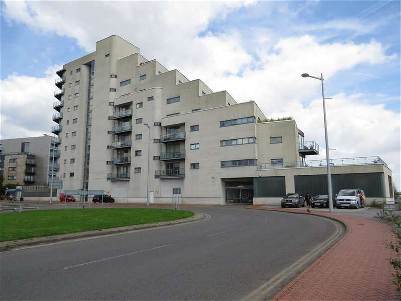 2 Bedrooms Apartment Flat for sale in Ferry Road, Cardiff