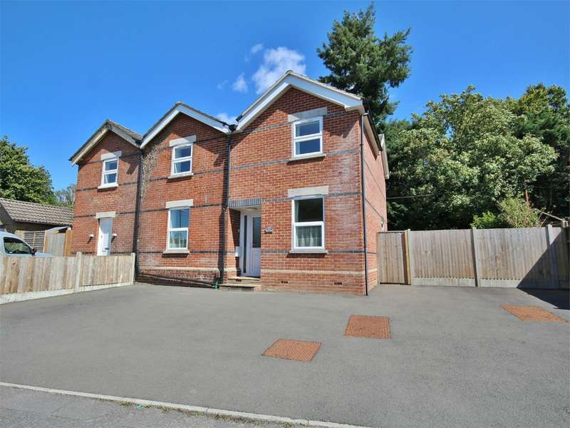 4 Bedrooms Semi Detached House for sale in Wentworth Drive, BROADSTONE, BH18