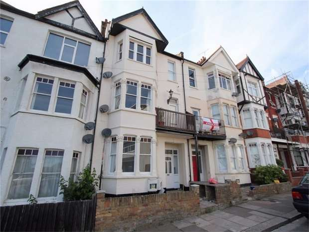1 Bedroom Flat for sale in San Remo Parade, WESTCLIFF-ON-SEA, Essex