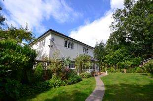 4 Bedrooms Detached House for sale in Garston Park, Burwash, Etchingham, East Sussex