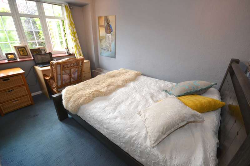 3 Bedrooms Semi Detached House for rent in Flaxman Close, Earley, Reading