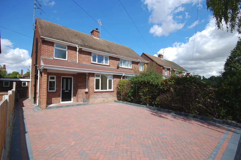 4 Bedrooms Semi Detached House for sale in Third Avenue, Chelmsford, CM1