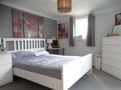 3 Bedrooms Flat for sale in Witham
