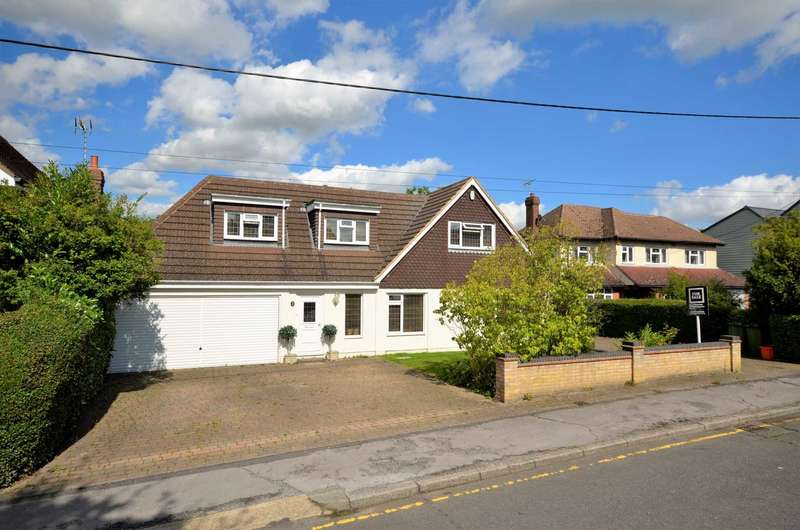 5 Bedrooms Detached House for sale in Headley Road, Billericay