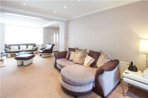 5 Bedrooms Semi Detached House for sale in Sherborne Gardens, KINGSBURY, NW9 9TE