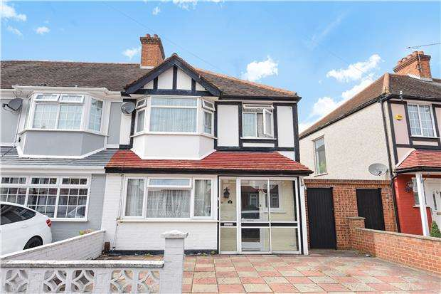 3 Bedrooms End Of Terrace House for sale in Almond Way, MITCHAM, Surrey, CR4