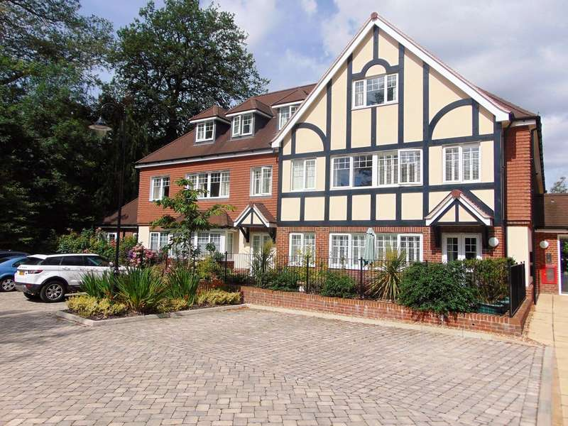 2 Bedrooms Ground Flat for sale in Addington Road, South Croydon, CR2 8RD