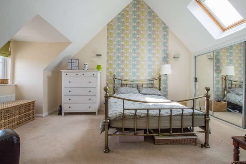 3 Bedrooms Terraced House for sale in Sunrise Avenue, Bishops Cleeve, Cheltenham, GL52 8EW