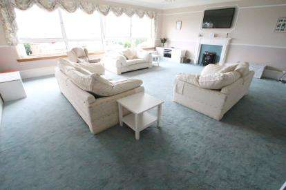 4 Bedrooms Link Detached House for sale in Union Street, Greenock