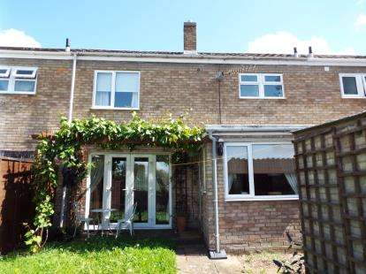3 Bedrooms Terraced House for sale in Nene Road, Huntingdon, Cambs