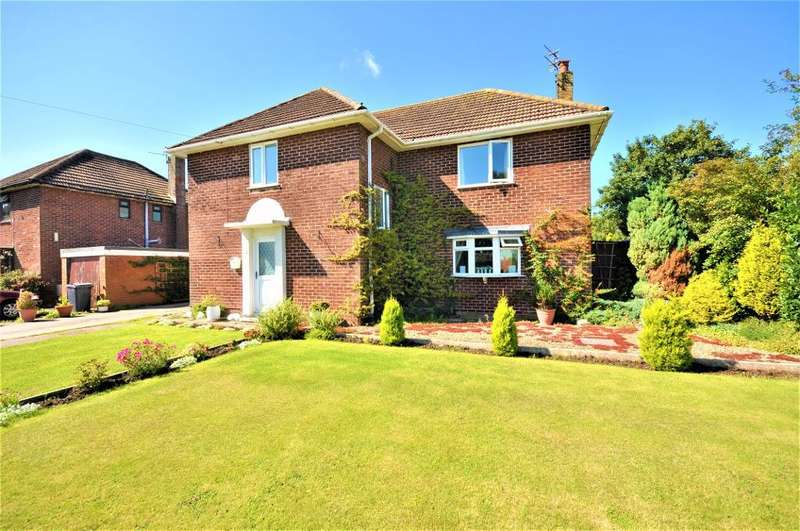 4 Bedrooms Detached House for sale in The Cresent, Bank Lane, Warton, Preston, Lancashire, PR4 1TB