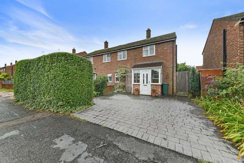 3 Bedrooms Semi Detached House for sale in Malmstone Avenue, Merstham, RH1 3JL