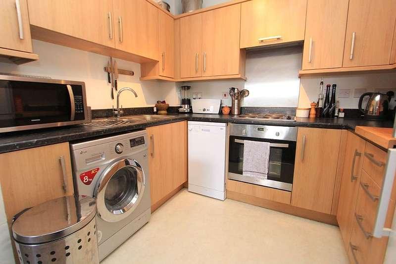 2 Bedrooms Flat for sale in Hibernia Court, North Star Boulevard, Greenhithe, Kent, DA9 9UJ
