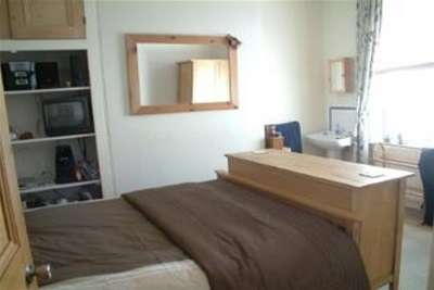 3 Bedrooms Flat for rent in Exeter
