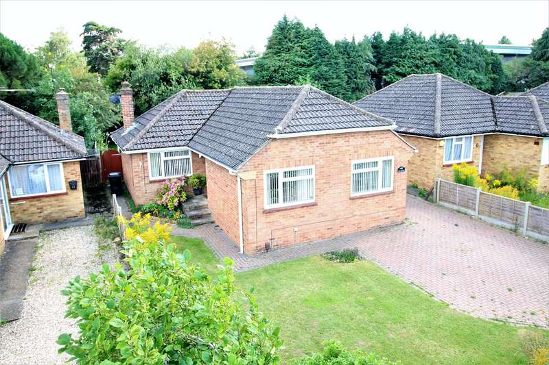 3 Bedrooms Detached Bungalow for sale in Buckland Avenue, The Berg, Basingstoke, RG22