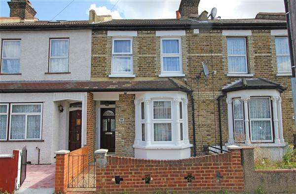 3 Bedrooms Terraced House for sale in Woodcroft Road, Thornton Heath