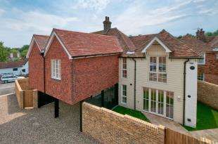 4 Bedrooms Semi Detached House for sale in The Mill, Chequers Hill, Doddington, Kent