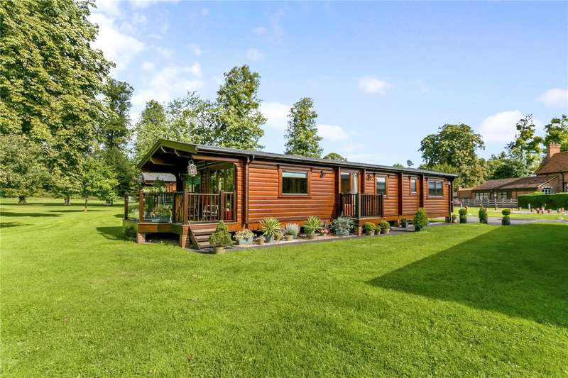 3 Bedrooms Detached Bungalow for sale in Manor View, Harleyford, Marlow, Buckinghamshire, SL7