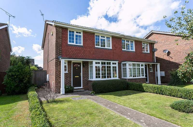 3 Bedrooms Semi Detached House for sale in Dorchester Close, nr Pinkneys Green, Maidenhead , Berkshire