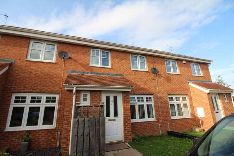 3 Bedrooms Semi Detached House for sale in Lyons Court, Gateshead, NE10