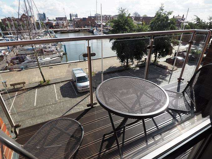 2 Bedrooms Apartment Flat for sale in Freedom Quay, Hull Marina, Hull, HU1 2BE