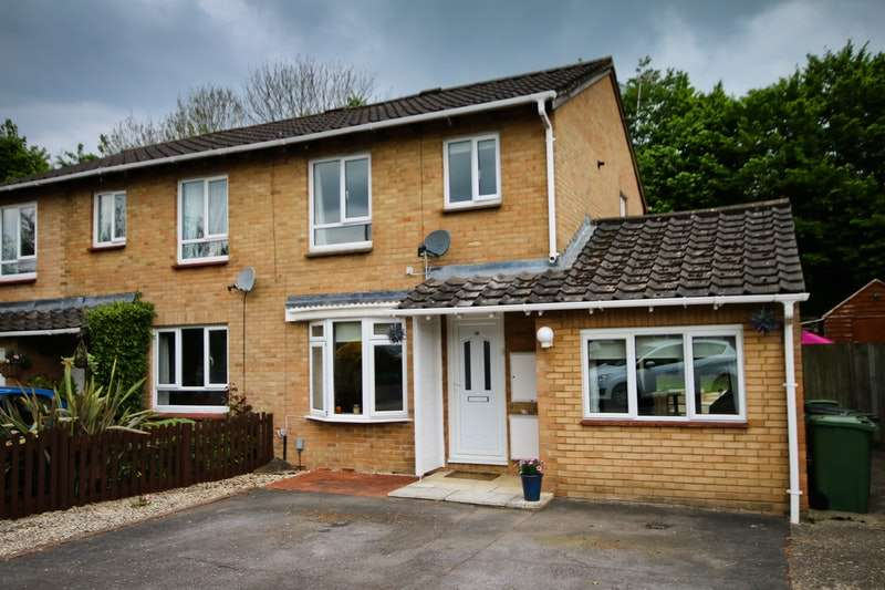 3 Bedrooms Semi Detached House for sale in Delibes road, Basingstoke, Hampshire, RG22