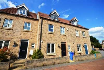 4 Bedrooms Town House for rent in The Spinney, Dore, S17 3AL