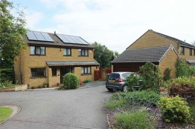 4 Bedrooms Detached House for sale in Moor Close, Huddersfield, West Yorkshire