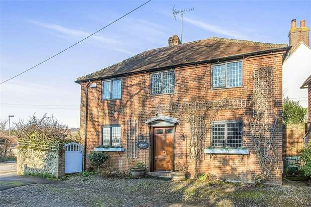 3 Bedrooms Detached House for sale in Borough Green Road, Wrotham, Sevenoaks, Kent