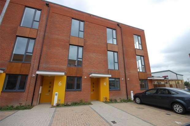 3 Bedrooms Terraced House for sale in Goldswain End, Aylesbury, Buckinghamshire