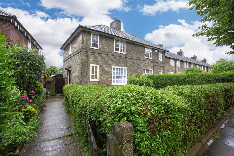 3 Bedrooms Semi Detached House for sale in Heathstan Road, Shepherds Bush