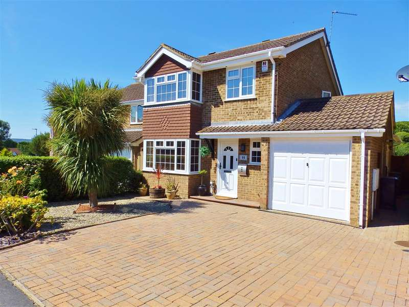 4 Bedrooms Detached House for sale in Helvellyn Drive, Eastbourne