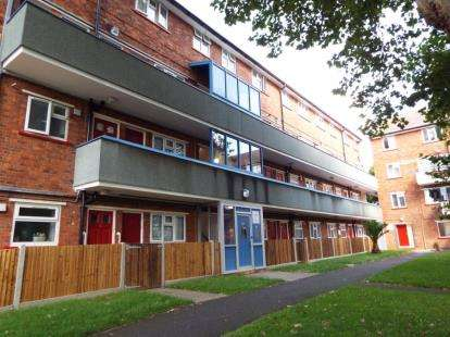 3 Bedrooms Maisonette Flat for sale in Ship Leopard Street, Portsmouth, Hampshire