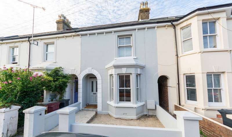 3 Bedrooms Terraced House for sale in Grove Road, Chichester, West Sussex, PO19