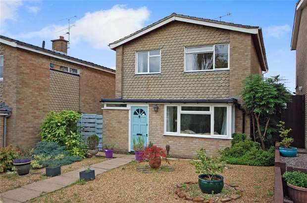 3 Bedrooms Detached House for sale in FARNHAM, Surrey