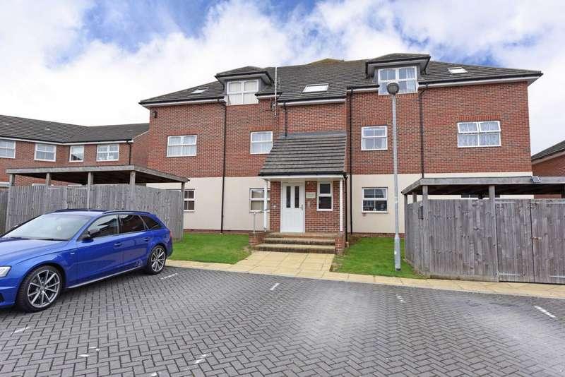 2 Bedrooms Flat for sale in , Farnborough, GU14