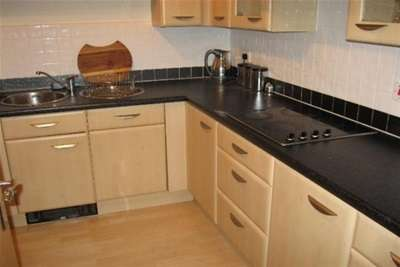 2 Bedrooms Flat for rent in Royal Plaza, 2 Westfield Terrace, S1 4GD