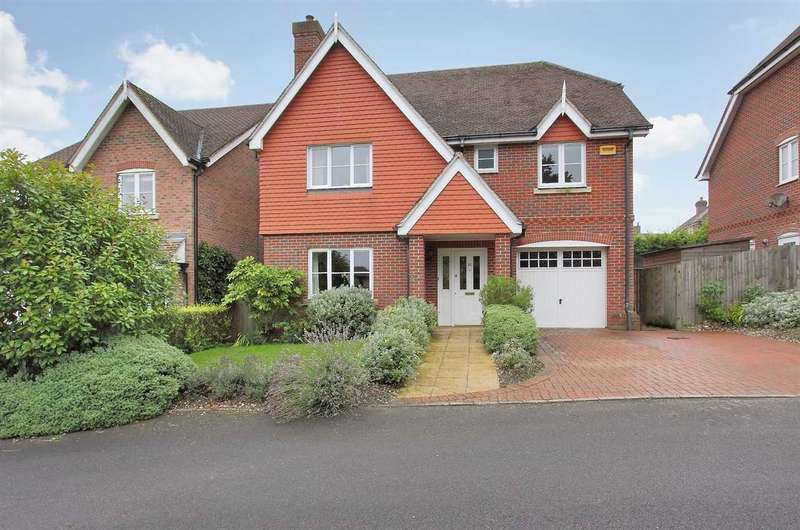 4 Bedrooms Detached House for sale in Kingsclere Road, Overton
