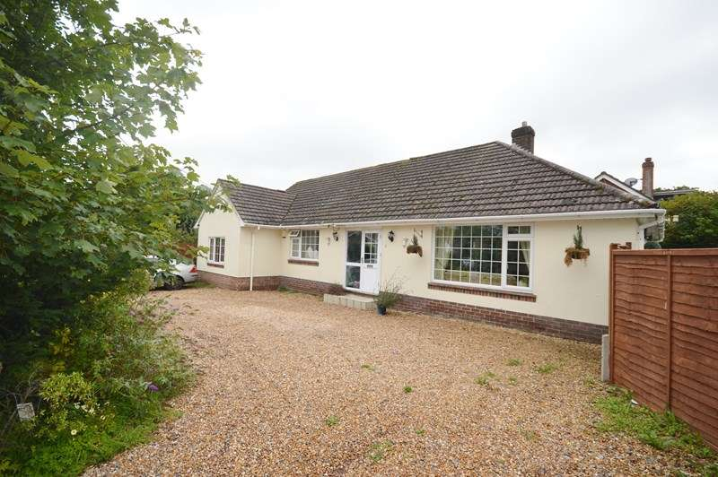 4 Bedrooms Detached Bungalow for sale in Sky End Lane, Hordle, Lymington